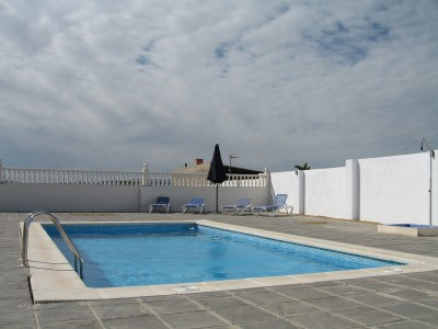 SWIMMING POOL & SOLARIUM